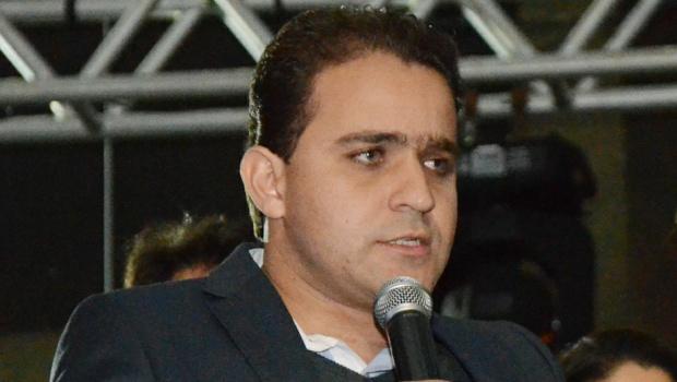 MP aciona prefeito e vice de Cristalina por irregularidades na compra de combustíveis