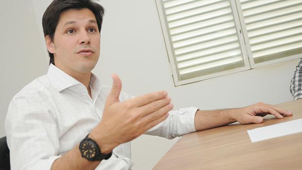Deputado do PMDB diz que Daniel Vilela vai jogar a tolha depois da Carnaval