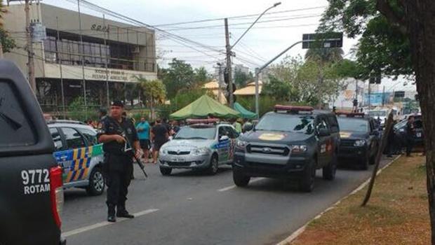 """Operação combate comércio ilegal na """"feira da marreta"""", em Goiânia"""