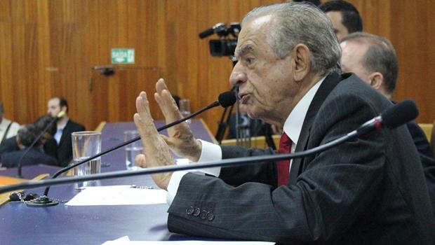Iris pede autorização da Câmara para gastar R$ 2,6 milhões além do Orçamento