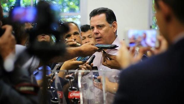 Governador chama vereadores de Goiânia para resolver impasse com PM