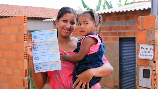 Goiás na Frente Social faz cadastro para Cheque Mais Moradia em Formosa