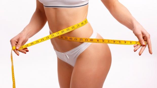 Jejum intermitente emagrece e não impede prática de exercício físico, afirma especialista