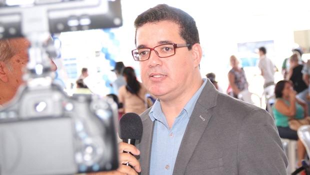 """Secretário confirma que chamou vereadores de malas, mas """"no sentido político do termo"""""""