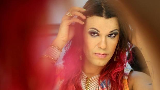 Primeira rapper a levantar bandeira LGBT no Brasil grava DVD em Goiânia