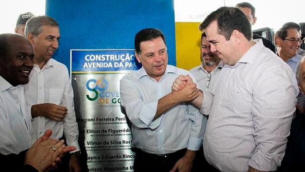 Marconi e Gustavo Mendanha inauguram pavimentação em Aparecida de Goiânia