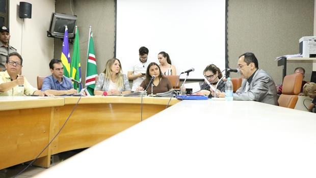 CCJ derruba dois vetos do prefeito em sessão extraordinária