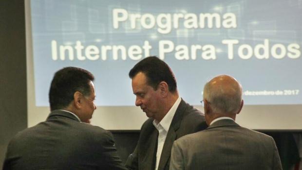 """""""Democratizar internet é garantia de mais saúde, educação e soberania"""", afirma Marconi"""