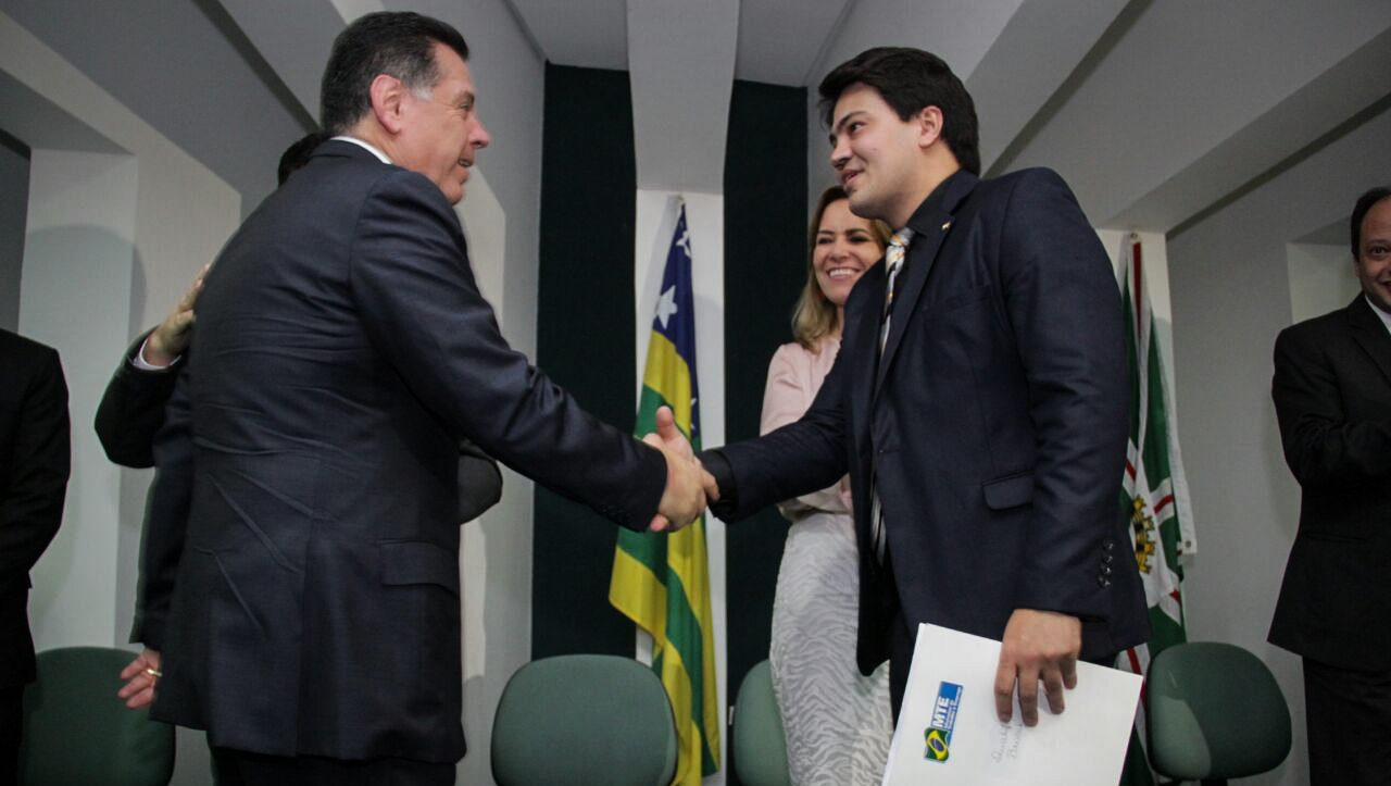 Marconi lança Programa de qualificação e entrega prêmio do Reconhece Goiás a 50 entidades