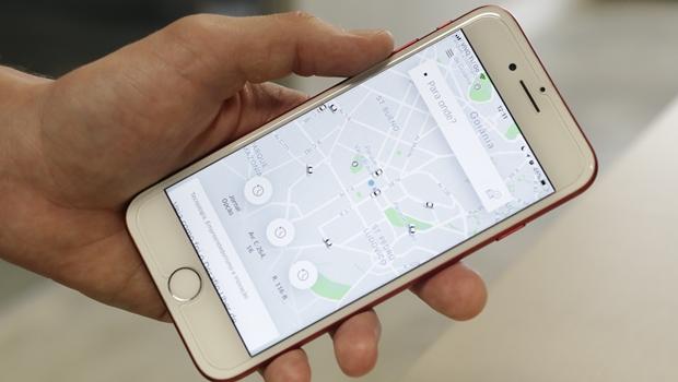 Apesar de regulamentação, empresa de transporte por aplicativos estipula prazo para adequação