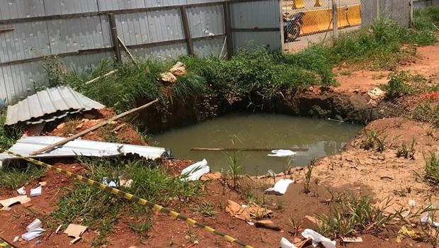 Sem recursos, obras do BRT em Goiânia seguem paralisadas e acumulando lixo