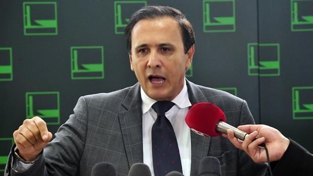 Gaguim se filia ao DEM do ex-governador Siqueira Campos, seu algoz na eleição de 2010
