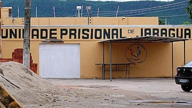 Sete detentos cavam túnel e fogem do presídio de Jaraguá