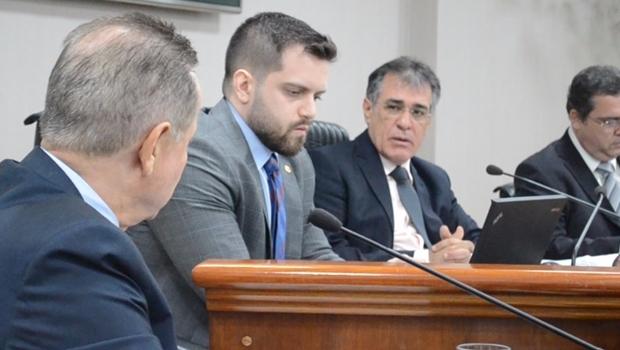 Joaquim de Castro é reeleito presidente do TCM-GO