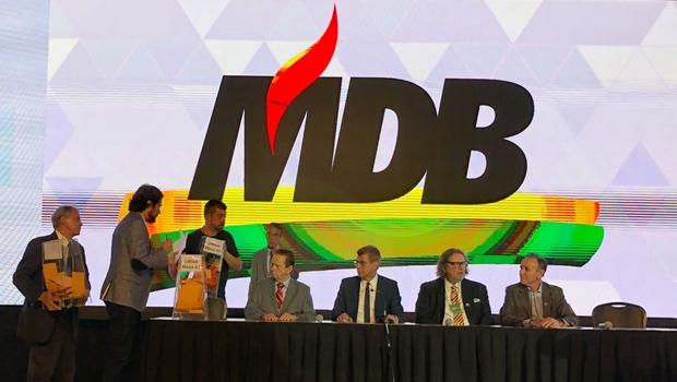 Em convenção, PMDB aprova mudança de nome e volta a se chamar MDB