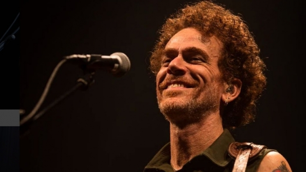 Nando Reis apresenta nova turnê em Goiânia neste sábado (9)