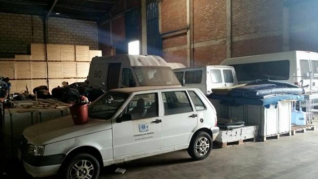 Imagens mostram produtos vencidos e máquinas abandonadas na Secretaria da Saúde