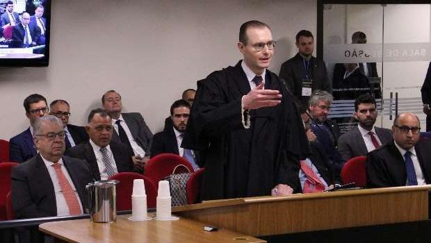 """Advogado de Lula critica Moro e diz que Lava Jato atua para """"cercear defesa"""""""