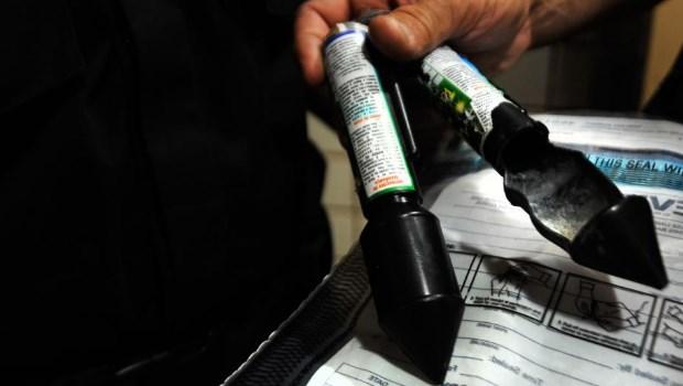 Jovem é preso em Goiânia após lançar rojão em homem