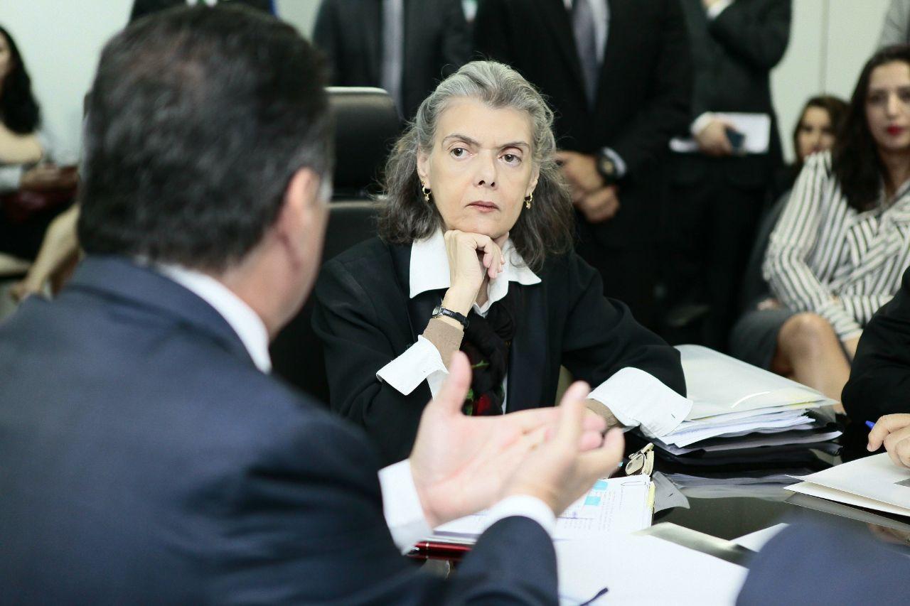 Cármen Lúcia desiste de visitar presídio em Goiás onde 9 morreram