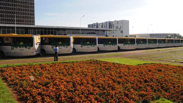 GDF atrapalha o trânsito em frente ao Buriti