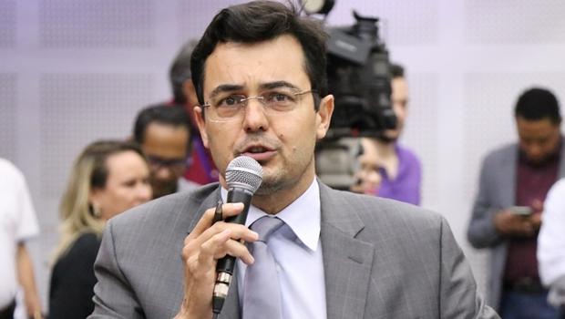 Vereador diz que PDT avalia convite para vice na chapa de Caiado