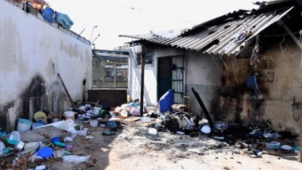 Darcy Ribeiro avisou, mas o  Brasil nunca priorizou as escolas. Resta agora acudir os presídios