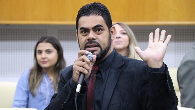 Líder do prefeito Iris na Câmara, Tiãozinho Porto recebe ação do MP por manobra em 2016