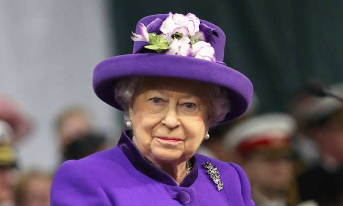 Rainha inglesa dá o exemplo e proíbe plástico no Palácio de Buckingham