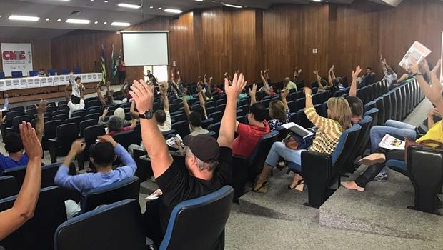 Sem negociação com prefeitura, servidores da Educação podem paralisar serviços