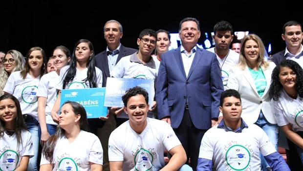 Governo de Goiás beneficia mais de 7 mil estudantes com programa Bolsa Universitária