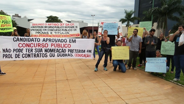 Escolas de Goiânia sofrem com falta de pedagogos e concursados exigem convocação