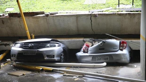 Teto de garagem de prédio desaba e destrói 25 carros em Brasília