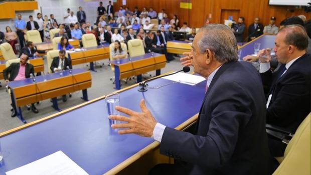 Vereadora quer que Paço responda por crime de responsabilidade por não pagar data base