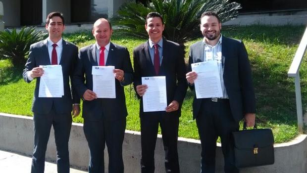 Coordenadores de subcomissões entregam cargos e deixam gestão Lúcio Flávio