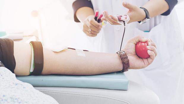 Deputado cria projeto que defende direito à meia-entrada para doadores de sangue