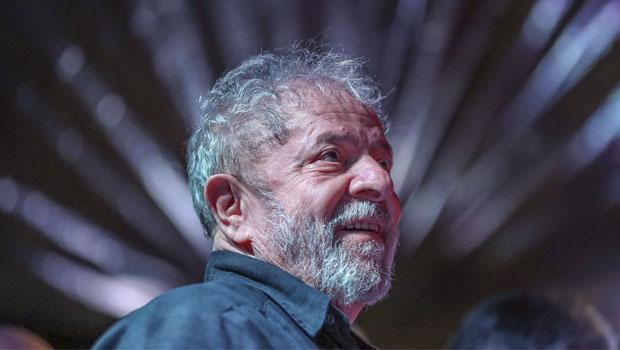 Tiros contra Lula empurram democracia  do Brasil na ladeira da intolerância