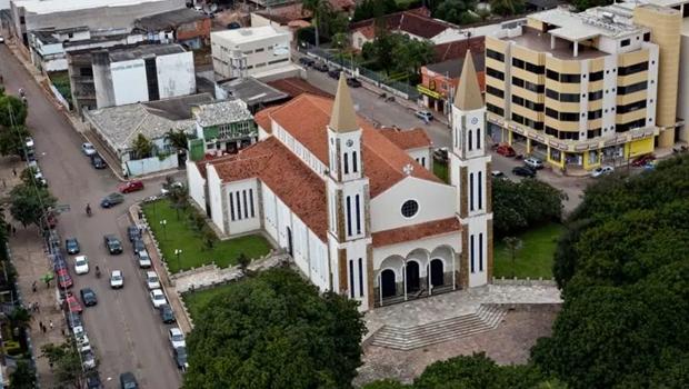 Bispo e padres presos desviavam R$ 1 milhão por ano de diocese
