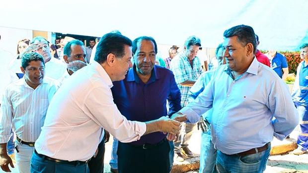 Marconi repassa R$ 400 mil para Prefeitura de Araguapaz