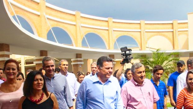 Marconi inaugura Credeq, USE e reforma do aeródromo em Quirinópolis