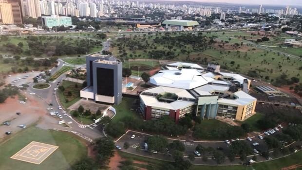 Servidores de Goiânia decidem se entram em greve em assembleia nesta terça-feira (17)
