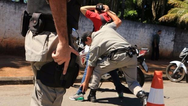 É verdade que a polícia prende e a Justiça solta?