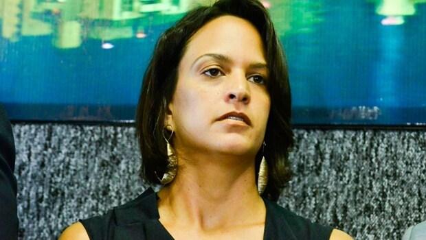 Filha de Caiado, procuradora-geral confirma saída da gestão Iris alegando questões políticas
