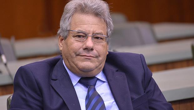 Suplente de senador diz que maioria dos vereadores do MDB apoia Caiado para governador