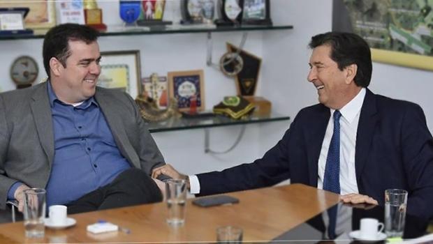 Justiça determina retirada de propaganda de Maguito com Gustavo Mendanha