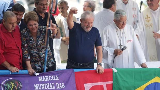 Lula fala pela primeira vez após ordem de prisão e diz que irá se entregar