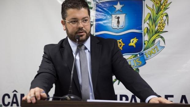Leandro Ribeiro deixa SED para disputar presidência da Câmara de Anápolis