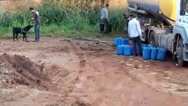 PC prende trio que trocava combustível de caminhões por água, em Goiânia