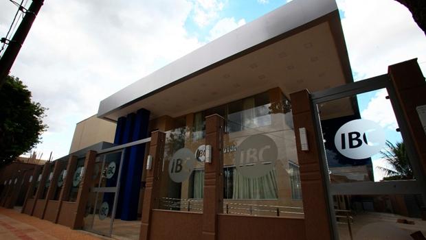 Apesar de embargo, obra de instituto de pós-graduação segue em andamento no Setor Jaó