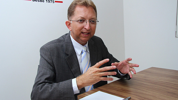 Assembleia de Deus reclama de João Campos por não ter aceitado vice de Ronaldo Caiado